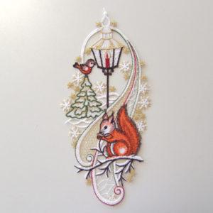 Kerst Raamdecoratie Eekhoorn met kerstboom